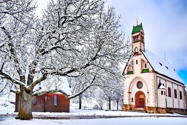 So schön kann Winter an der Löffinger Wallfahrtskirche Witterschnee sein