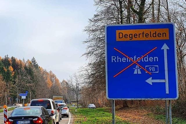 Die Teilsperrung der A 98 hat weite Auswirkungen auf den Verkehr