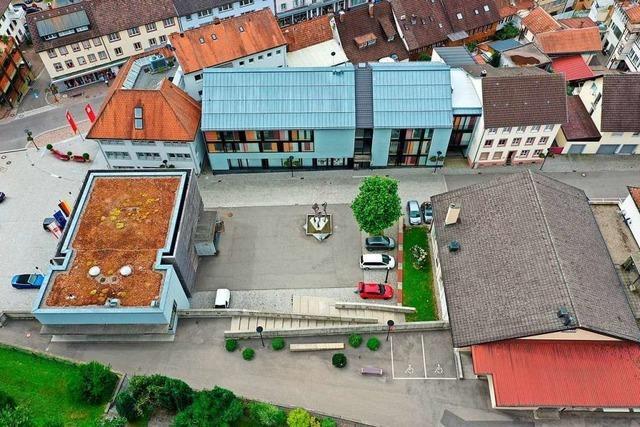 Dem Zeller Rathaus fehlt viel Geld