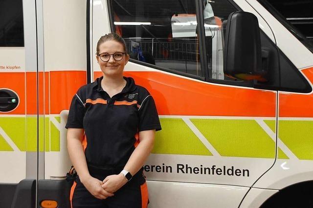 Wie eine Notfallsanitäterin in Rheinfelden mit dem Thema Warten umgeht
