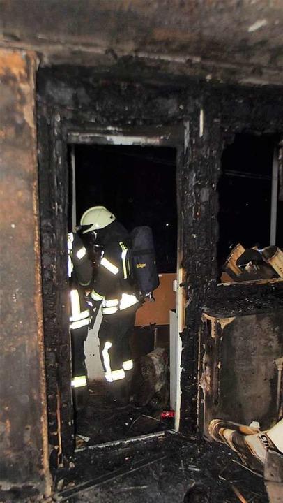 Die Wohnung brannte komplett aus.  | Foto: Feuerwehr Denzlingen