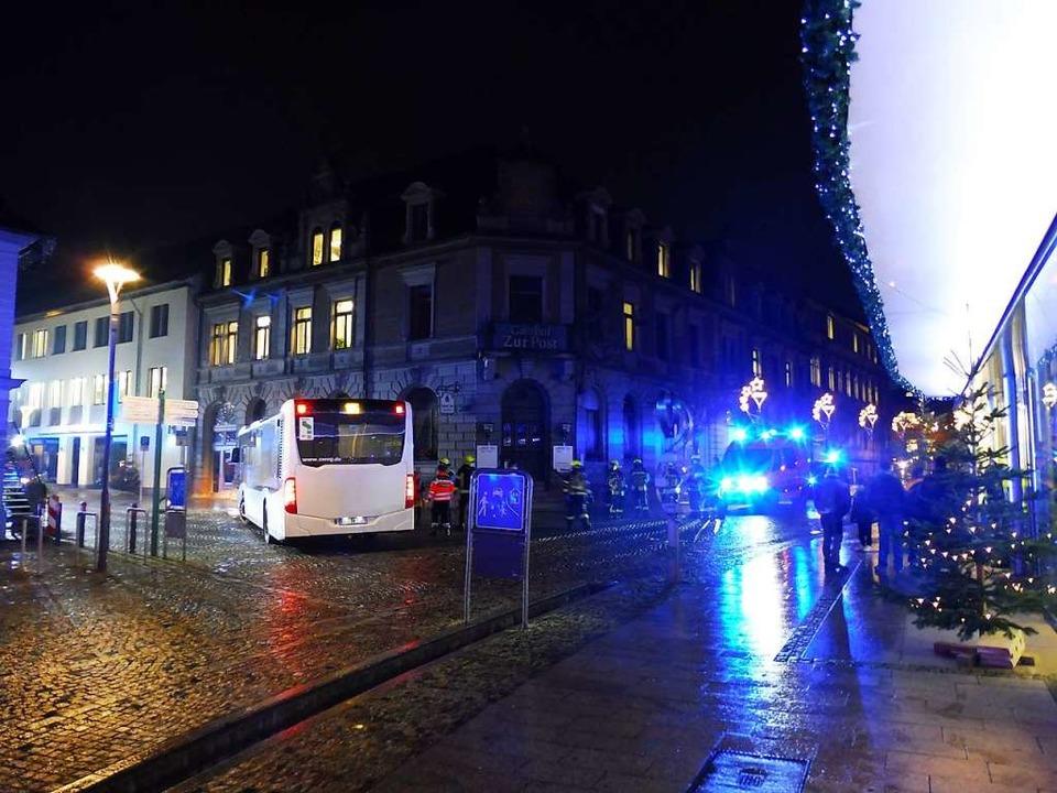 Beim Abbiegen nach links ereignete sich der Unfall.  | Foto: Feuerwehr Emmendingen