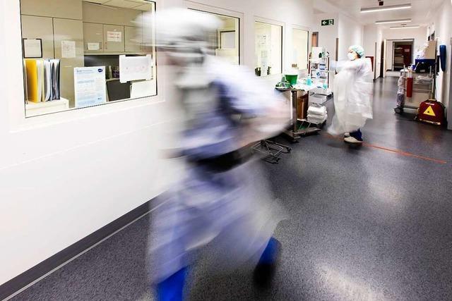 Uniklinik Freiburg reduziert Eingriffe aufgrund steigender Corona-Zahlen