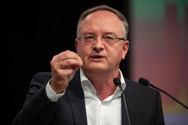 Andreas Stoch plädiert in Lörrach für wechselnden Unterricht