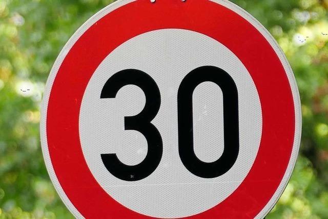 116 Mambacher fordern Tempo 30 auf der Straße Richtung Rohmatt