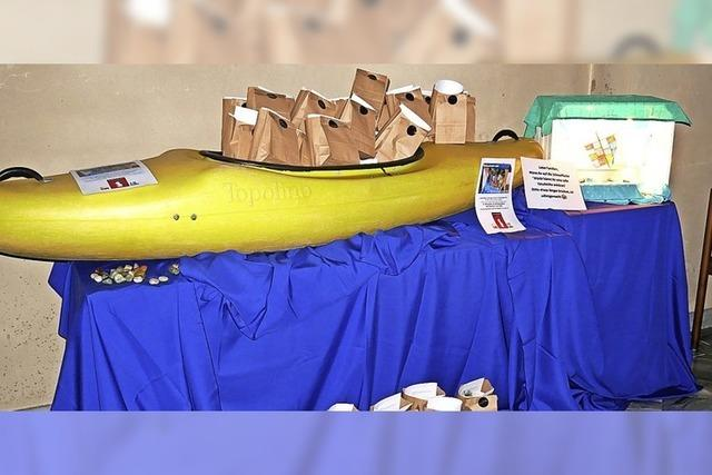 Ein Boot beladen mit Geschenken