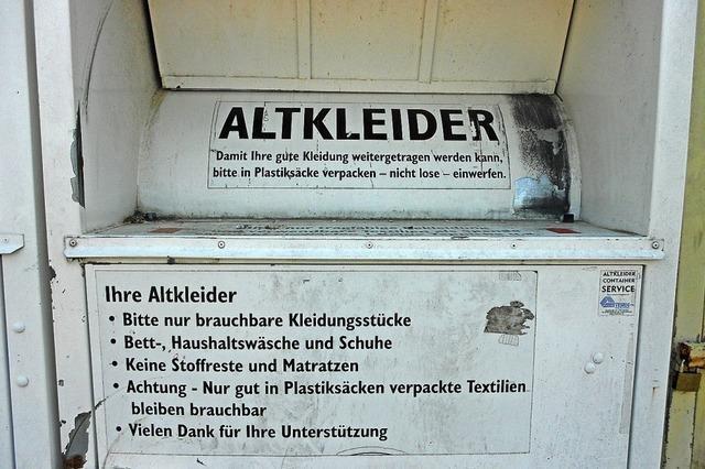 Kleidercontainer abgebaut