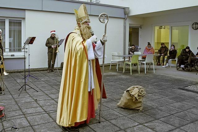 In Freiburg-Rieselfeld gab es ganz corona-konforme Nikolausgrüße