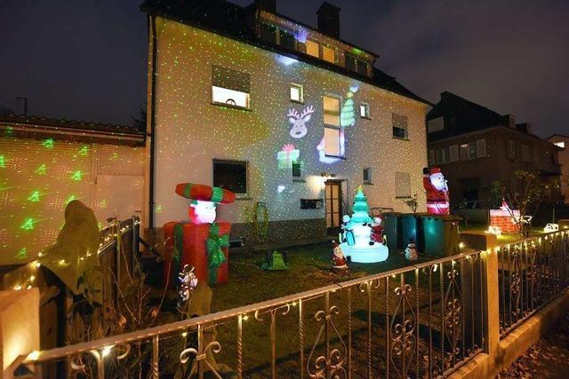 In der Freiburger Wiehre blinkt's und glitzert's weihnachtlich