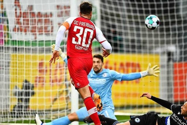 Fotos: Freiburg beendet Sieglos-Serie mit einem 2:0-Heimsieg gegen Bielefeld