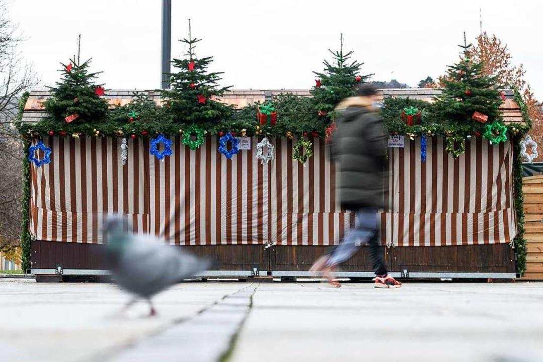 Ein geschlossener Verkaufsstand in Stu...aden-Württemberg bereits seit Samstag.    Foto: Sebastian Gollnow (dpa)