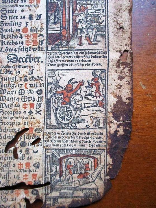 Auf dem Fragment des Einblattkalenders...der Joanem Faustum bei der Arbeit ist.  | Foto: Martin Jösel