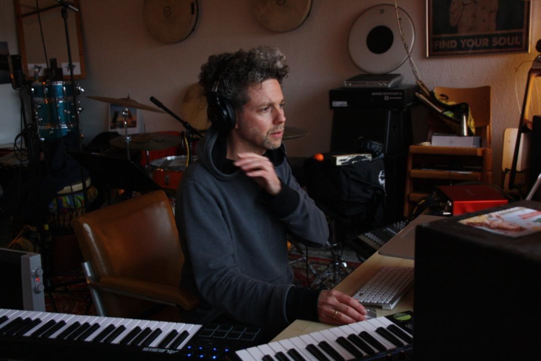 Mit einem Stück seines Soloprojekts &#...rprojekt Klangspektrum-BW aufgenommen.  | Foto: Christiane Franz