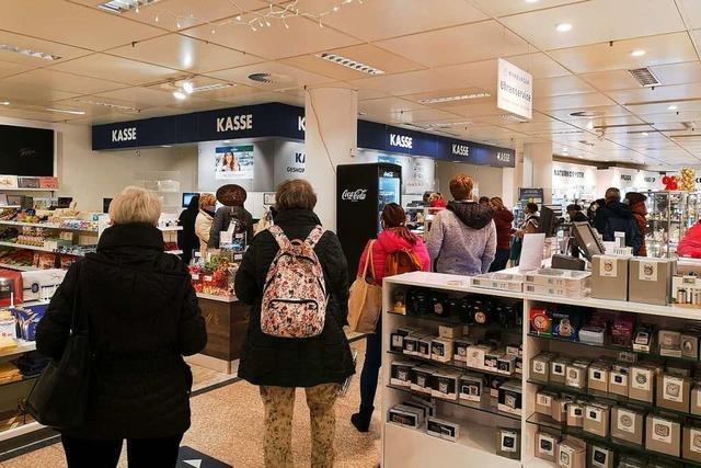 Händler in Offenburg haben vor dem Lockdown alle Hände voll zu tun