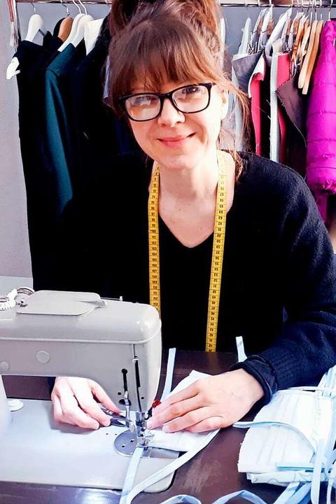 Die gebürtige Freiämterin Nicole Reinbold in ihrem Berliner Atelier  | Foto: Privat