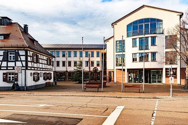 Neue Klimaanlage in Halle und Rathaus verbraucht mehr Strom