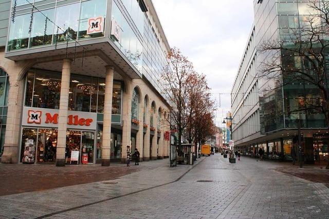Ein Rundgang durch fast verlassene Straßen in der Innenstadt