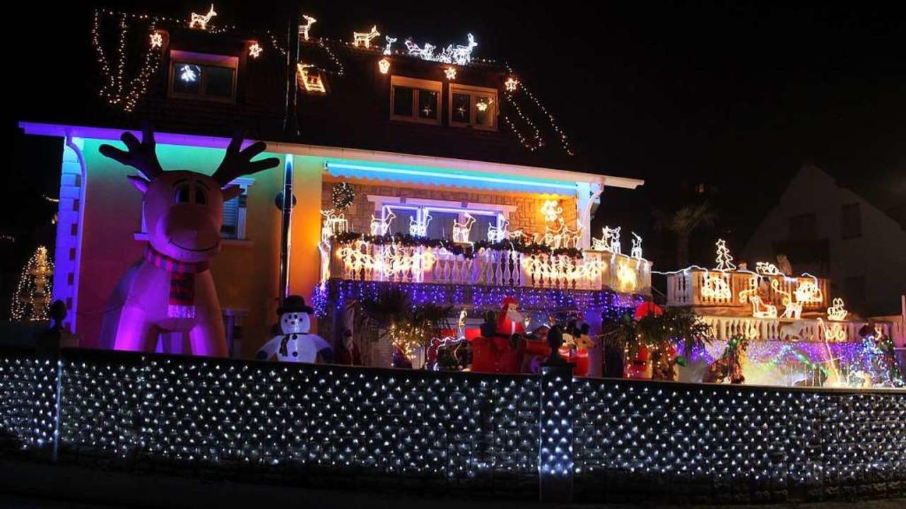 30000 LED-Lämpchen  ziehren das Anwesen In der Kammerten 6 in Herbolzheim.     Foto: Werner Schnabl