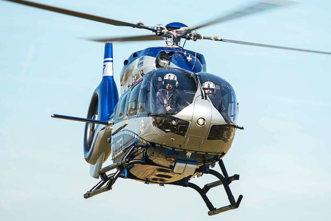 Bei der Suche wird auch ein Hubschrauber eingesetzt. (Symbolbild)    Foto: Wolfram Kastl