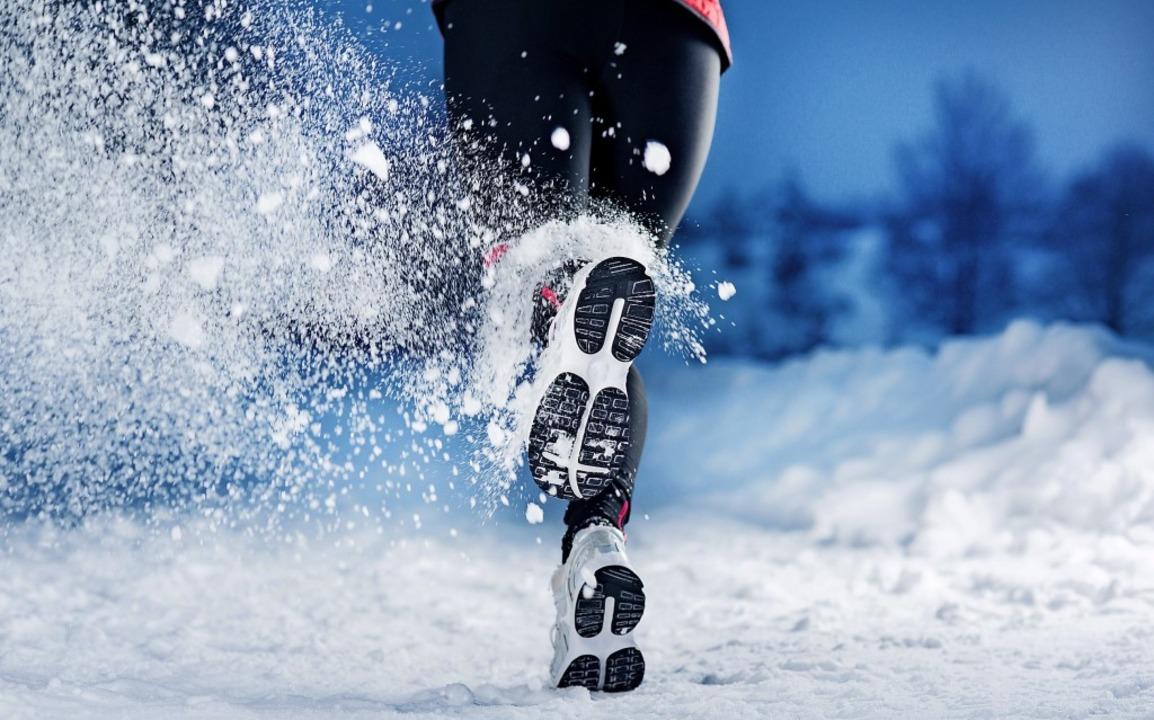 Joggen bei Minusgraden? Sportwissensch... Und gibt Tipps für's Training.   | Foto: Halfpoint  (stock.adobe.com)