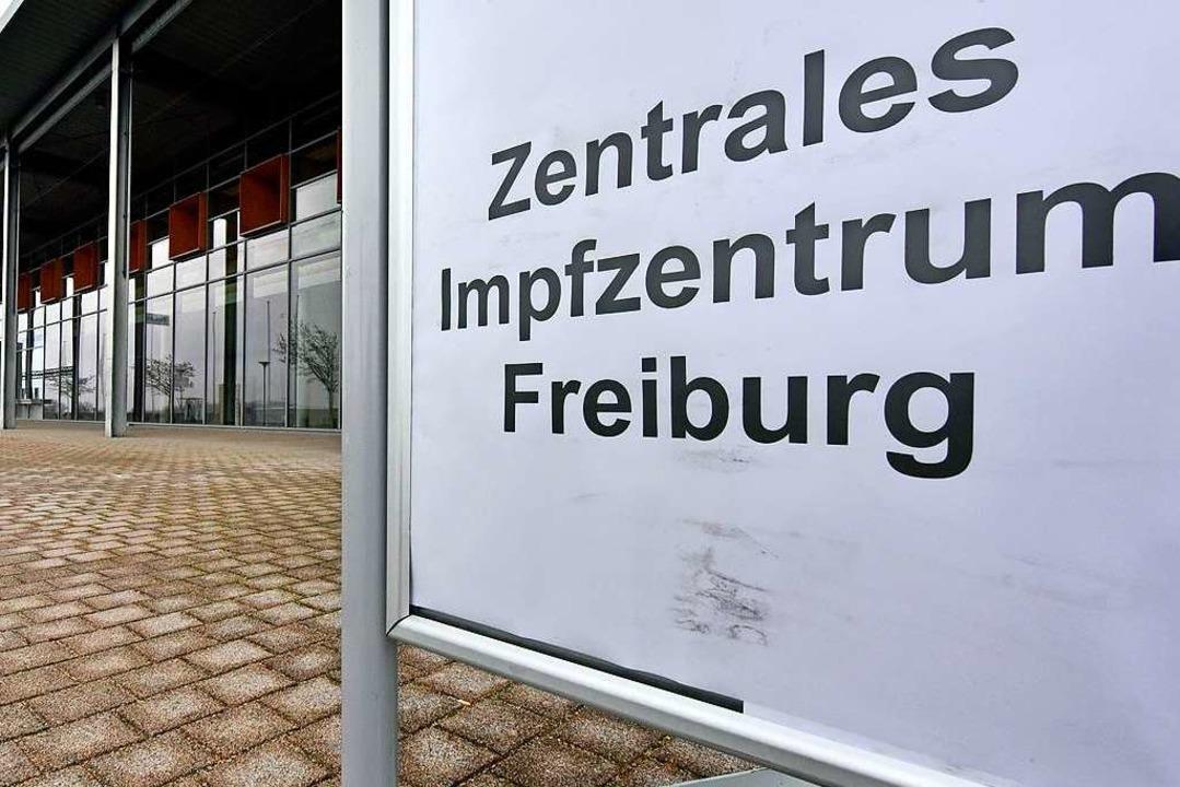 Das zentrale Impfzentrum in Freiburg an der Messe.  | Foto: Michael Bamberger