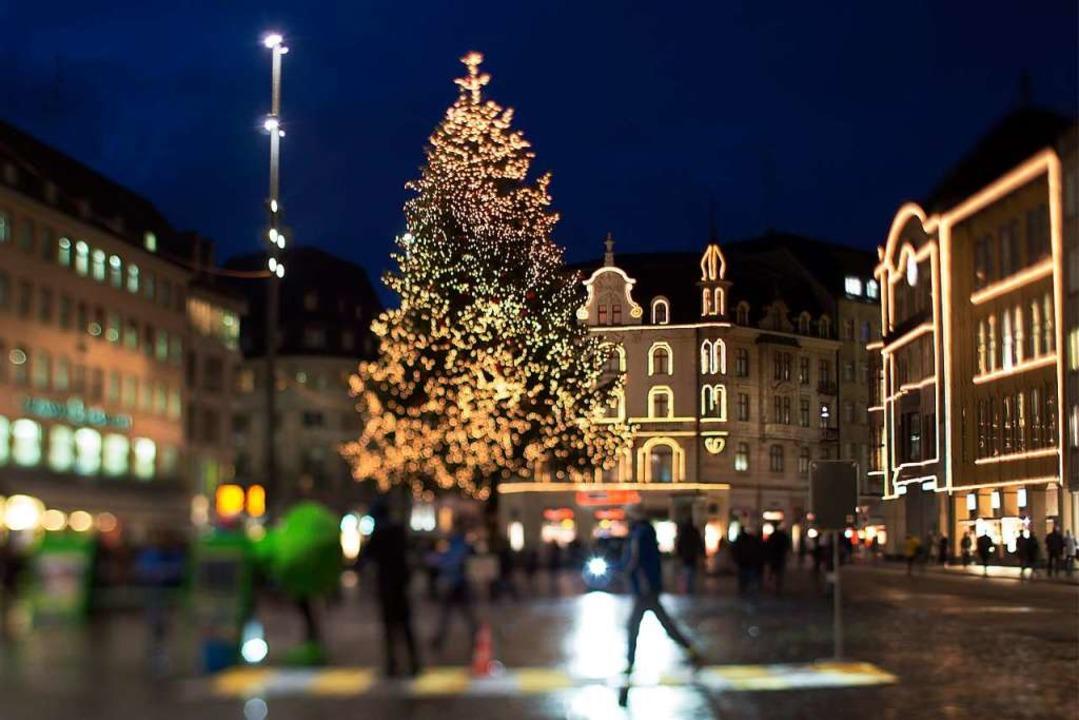 Weihnachtliches Basel: Die Lage Südbad... ist ein Katzensprung zu den Nachbarn.  | Foto: Georgios Kefalas