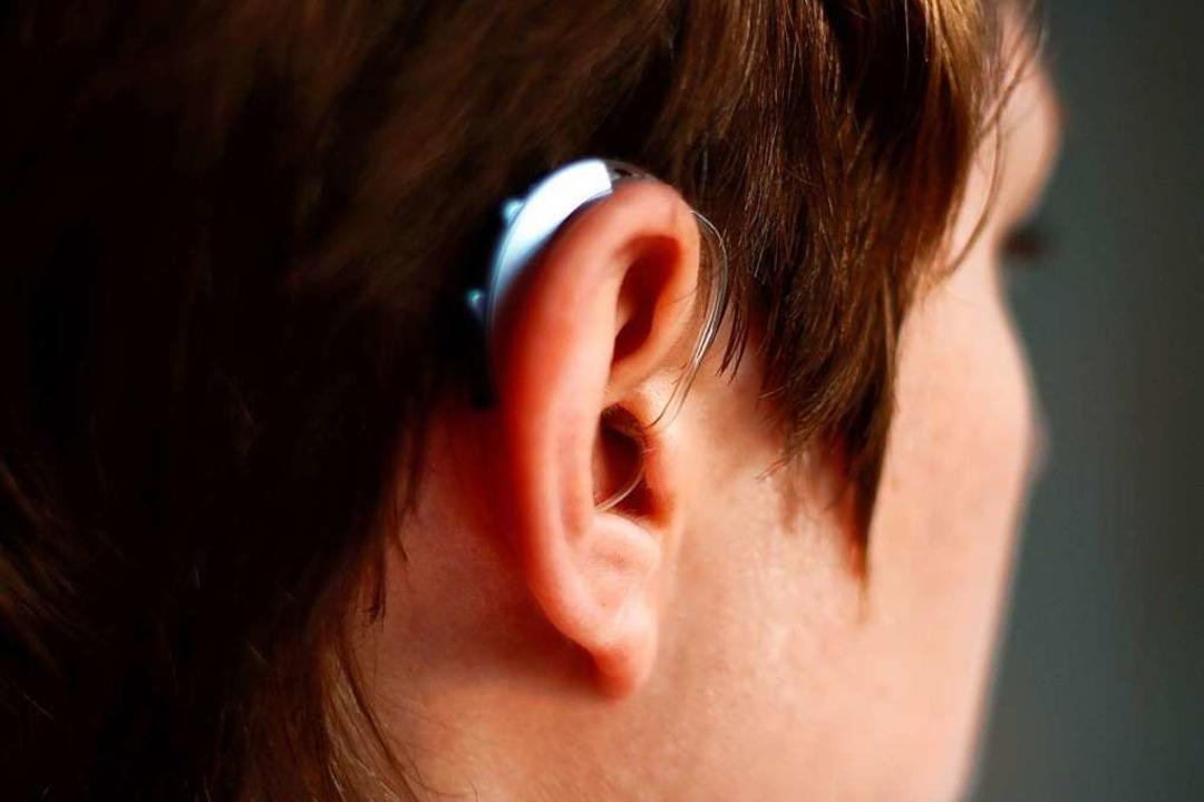 Schwerhörigkeit kann zu sozialer Ausgrenzung führen.  | Foto: Bäckersjunge / stock.adobe.com