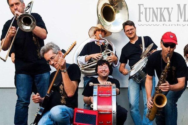 Funky Marching Band will mit einem Song Spenden für Weihnachtsaktion sammeln