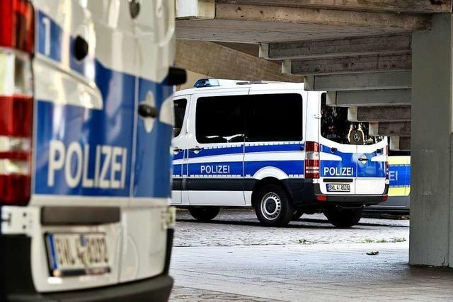 24 Festnahmen bei Schwerpunktkontrollen auf dem Stühlinger Kirchplatz in Freiburg