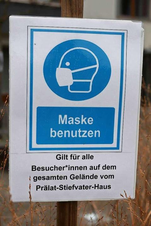 Ohne Maske kommt niemand hinein.    Foto: Jannik Jürgens