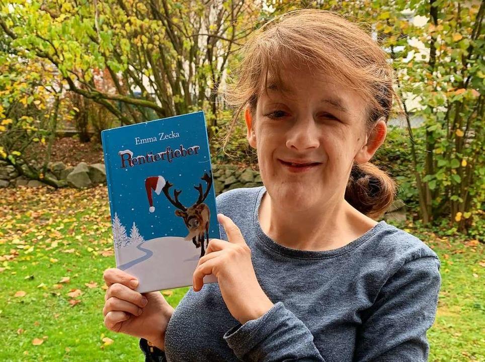Ayasha Mack präsentiert ihr Buch.  | Foto: privat