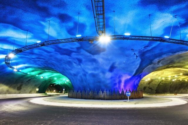 Tunnel-Kreisverkehr zwischen Färöer Inseln