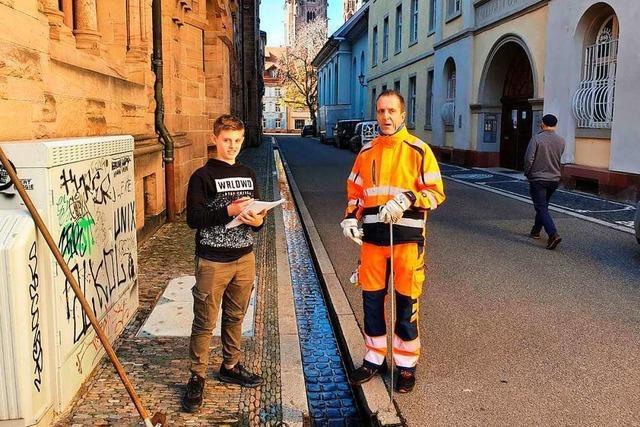Ein Schülerinterview mit einem Freiburger Bächleputzer