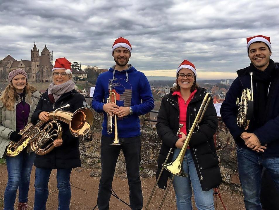Stimmungsvolle Lieder spielte das  Ens...cher Stadtmusik auf dem  Eckartsberg.   | Foto: Privat