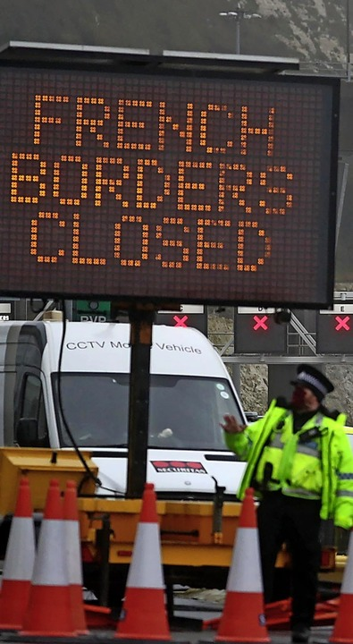 Immer mehr Staaten schließen ihre Grenzen für Briten.  | Foto: Steve Parsons (dpa)
