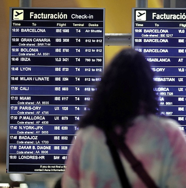 Viele Flüge wurden eingestellt.  | Foto: Eduardo Parra (dpa)