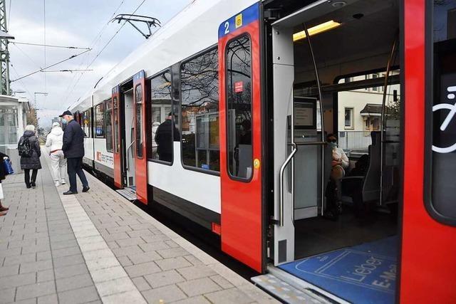 Bei jedem Halt von Bus und Bahn gehen sämtliche Türen auf