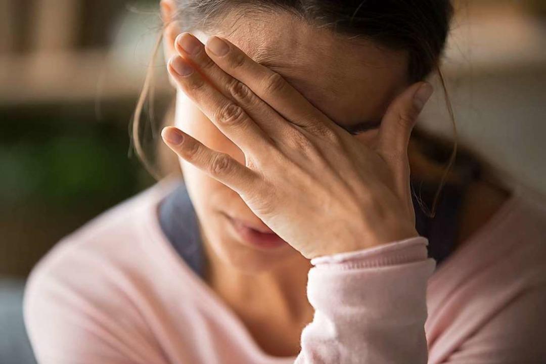 Eine Depression kann schnell zu finanziellen  Problemen führen.  | Foto: fizkes  (stock.adobe.com)