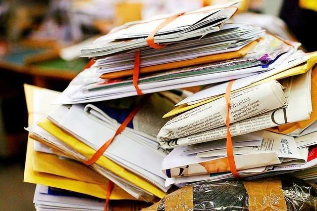 Unbekannte beschädigen Briefe mit Urin getränkten Papiertaschentüchern