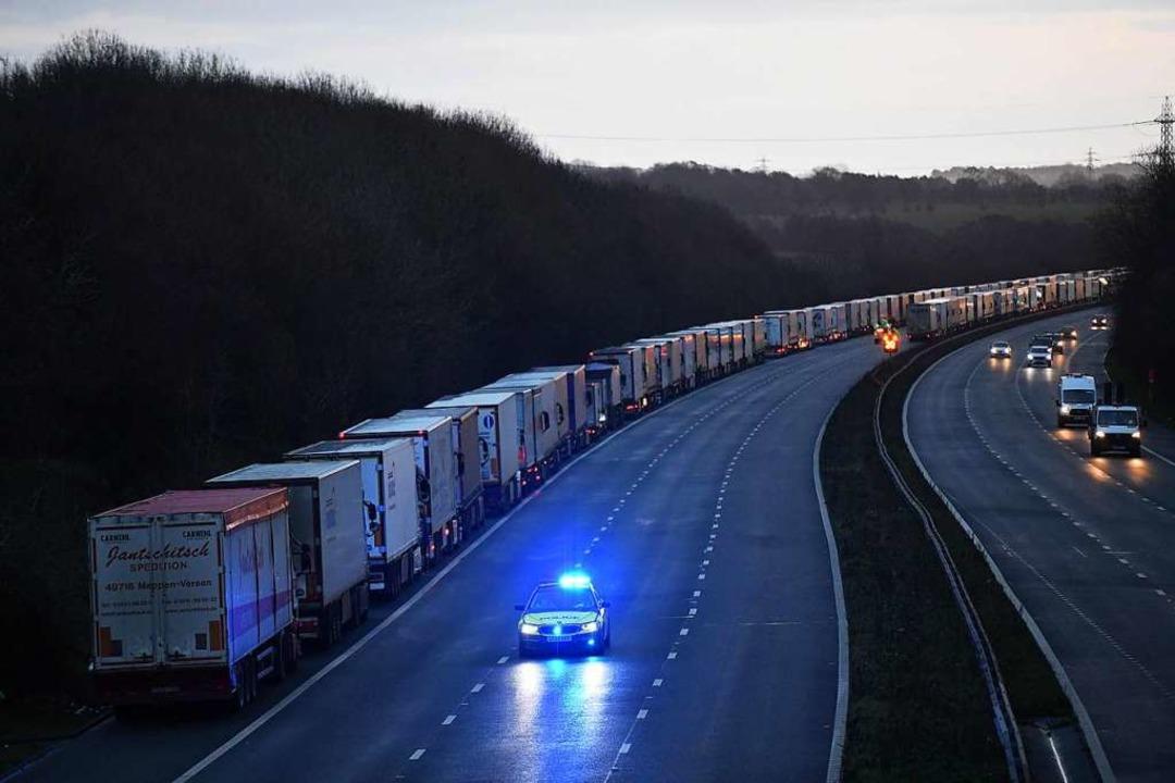 Tausende LKW-Fahrer verbringen Weihnachten im Stau