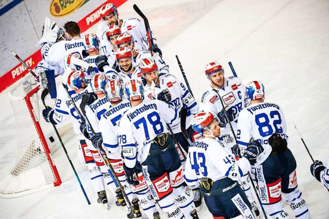 Plötzlich Top-Team: Die Schwenninger W...it zwei Siegen in die neue DEL-Saison.  | Foto: Matthias Balk (dpa)