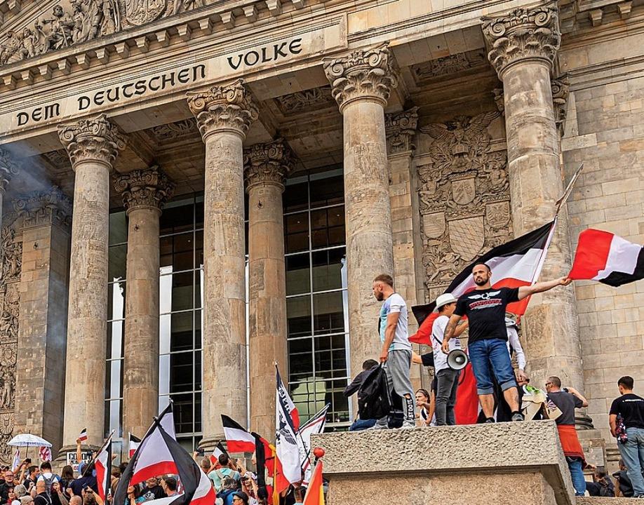 Corona-Gegner am 29. August vor dem Bundestag  | Foto: Achille Abboud (dpa)