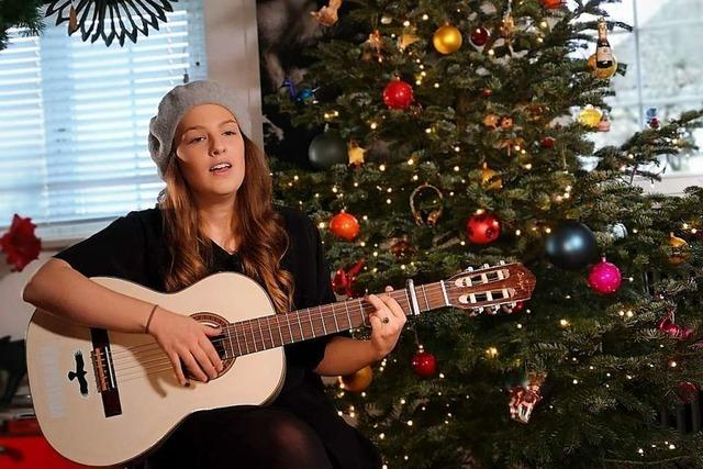 Lisa-Marie Christ singt