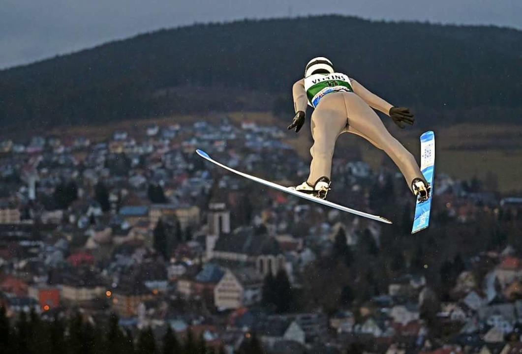 Luca Roth aus Hinterzarten im Januar 2020 beim Weltcup in Titisee-Neustadt  | Foto: Patrick Seeger (dpa)