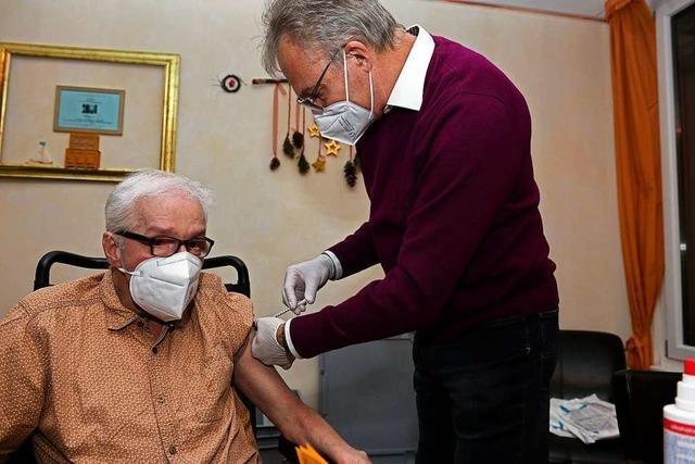 Norbert Gaiser ist der erste Lahrer, der gegen Covid-19 geimpft wurde