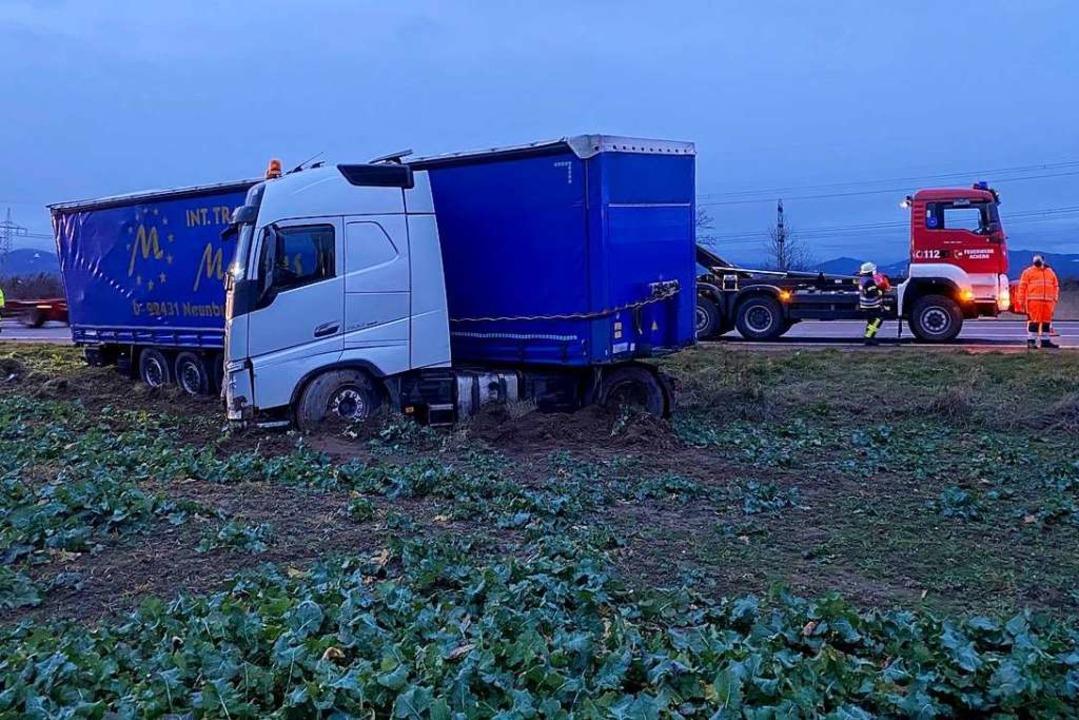 War der Fahrer eingeschlafen und kam d...ahn ab? Die Autobahnpolizei ermittelt.  | Foto: Benedikt Spether