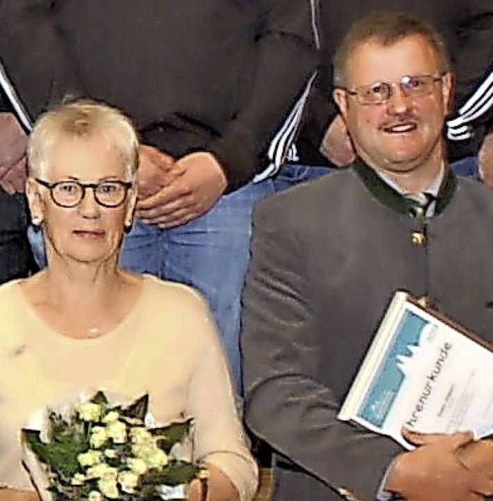 Besondere Ehrung: Annemarie Häusermann und Eugen Göppert  | Foto: Wolfgang Beck