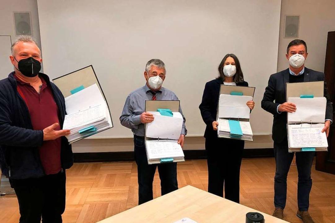 Rund 20000 Unterschriften für den Erha...rozingens Bürgermeister Volker Kieber.  | Foto: Regierungspräsidium Freiburg