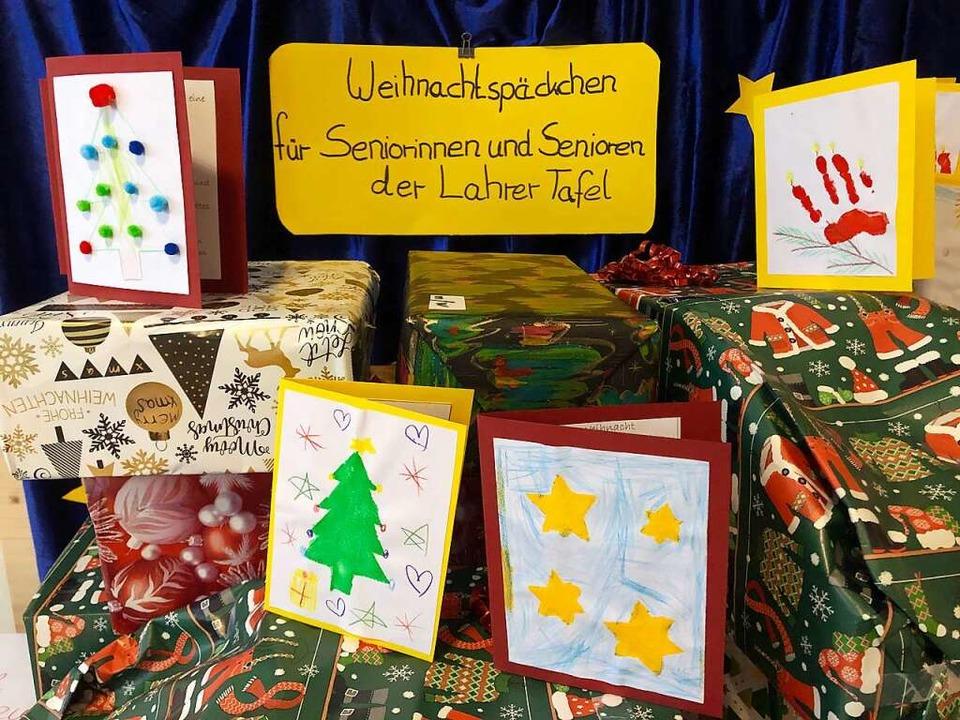 Eine von vielen privaten Aktionen, die...nd Senioren gab es Weihnachtspäckchen.    Foto: Privat