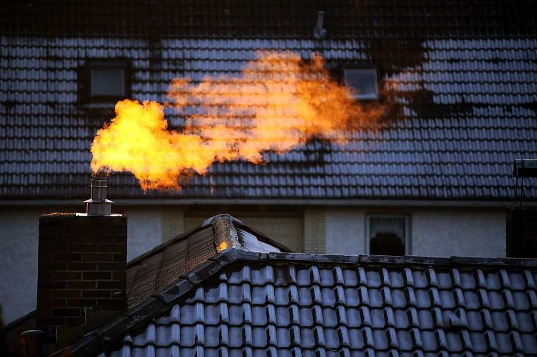 Die Klimaerwärmung zu stoppen, ist nic...n dürften für viele Haushalte steigen.    Foto: Axel Hemlig / Photocase